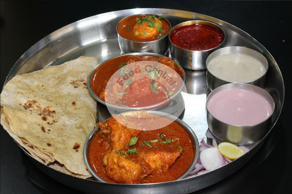 Gala Chicken and Mutton Thali